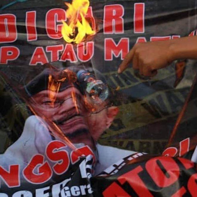 ' Gerombolan Boedi Djarot, Vandalisme Khas Komunis '
