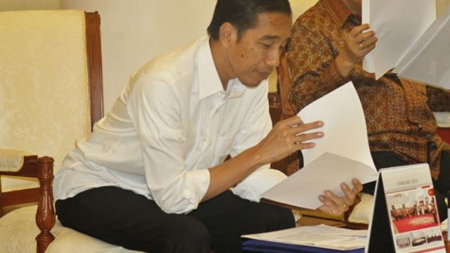 Buruh Tantang Jokowi Buka Pasal per Pasal UU Ciptaker, Tunjukin Mana yang Hoaks