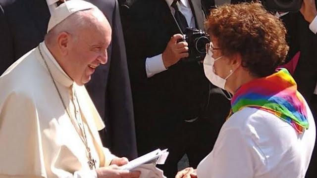 Mengejutkan, Paus Fransiskus Meminta Hubungan Sesama Jenis Dilegalkan