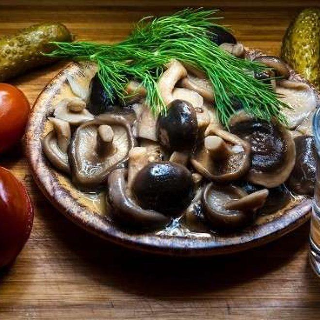 Cara dan Makanan Penyebab Sakit Kepala