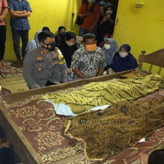 Innalillahi..., 2 Putra Polisi Mati Kesetrum Tiang Listrik