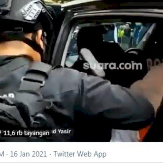 Video ini Lebih Jelas, Habib Rizieq Diduga Ditendang Polisi Brimob, Diduga Kena Paha Kirinya